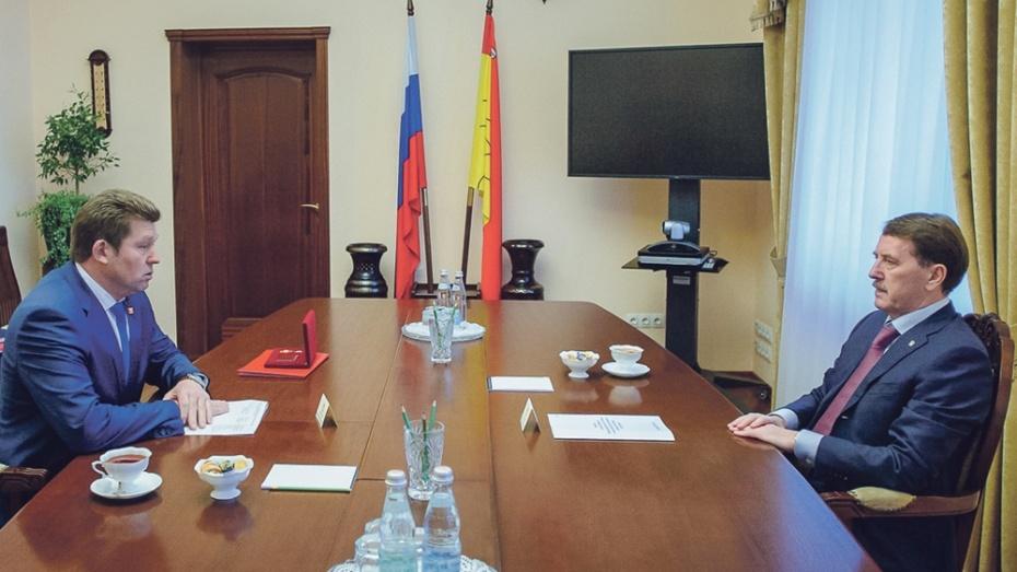 Губернатор наградил главу администрации Панинского района