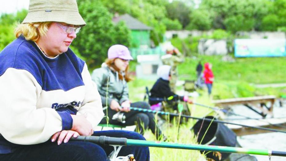 В Хохольском районе прошел межрегиональный турнир по рыбной ловле среди женщин