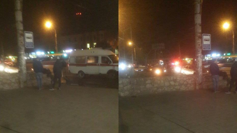Неподалеку от подземного перехода: вВоронеже ночью под колеса ВАЗа угодил пешеход
