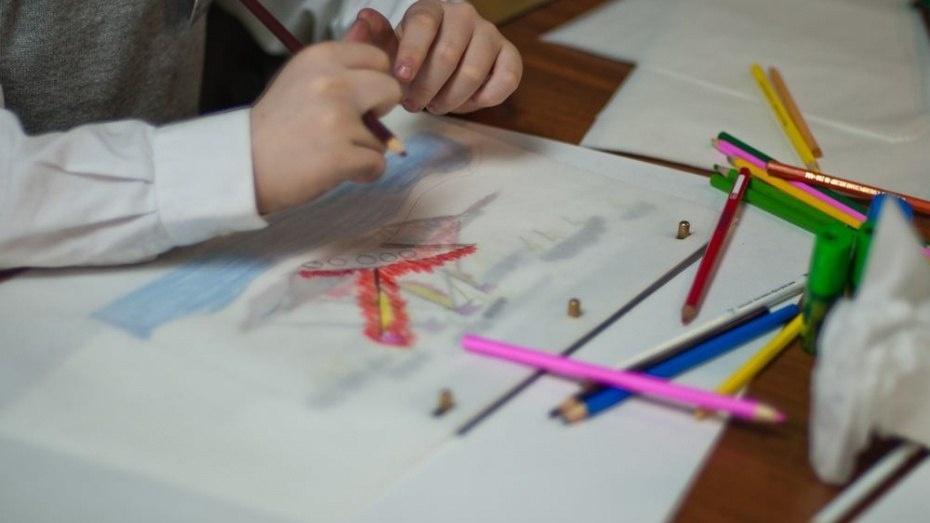 Укравшая золотую цепочку воспитатель детского сада стала фигурантом еще 7 дел