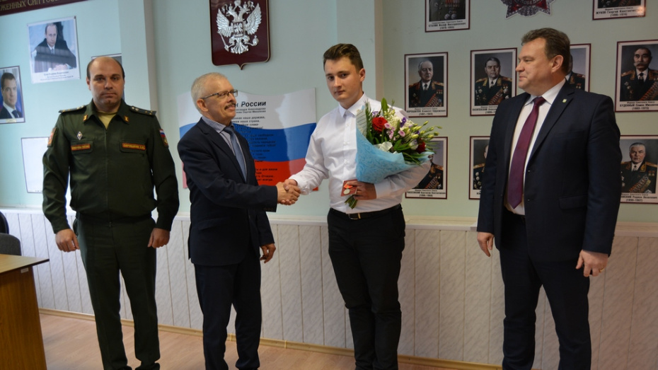 Россошанца наградили медалью Суворова