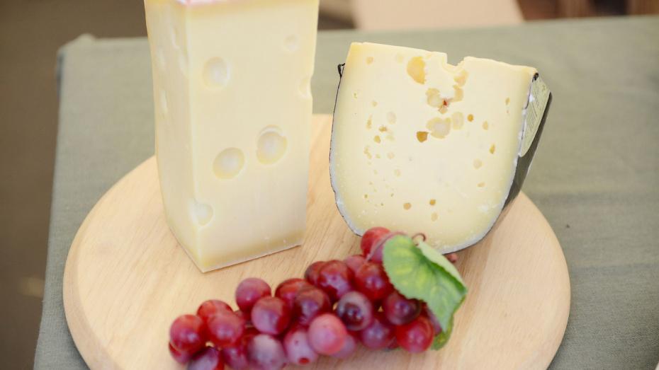 Роспотребнадзор проверил молоко и сыр в Воронежской области