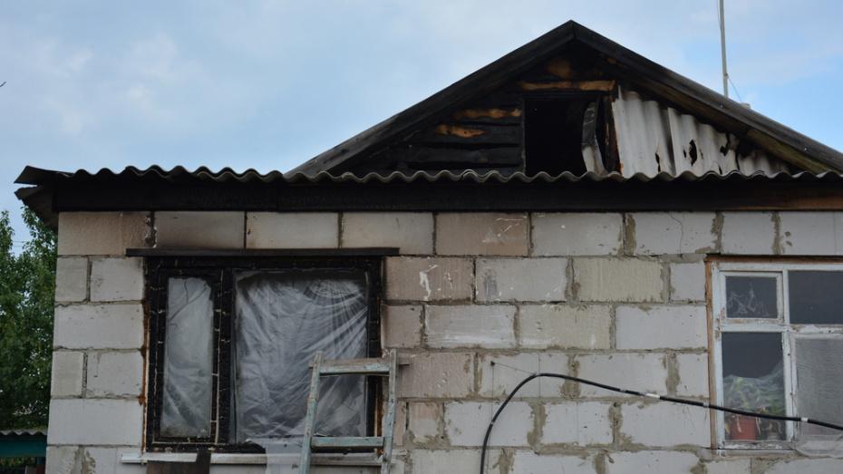 Острогожская пенсионерка попросила помощи на восстановление сгоревшей крыши дома