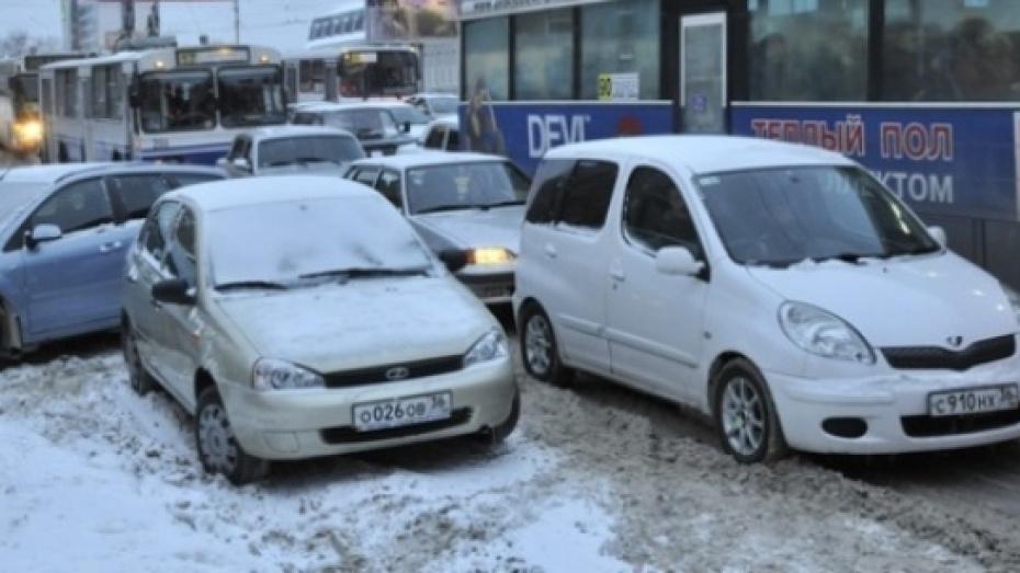 В Воронеже внедорожник столкнулся с ВАЗом, погиб мужчина