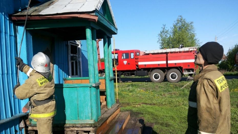 В бобровском селе на пожаре погибли 2 человека