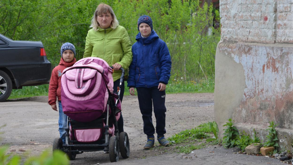 «Боюсь, что сыновей заберут». Чем помочь безработной воронежской матери 4 детей