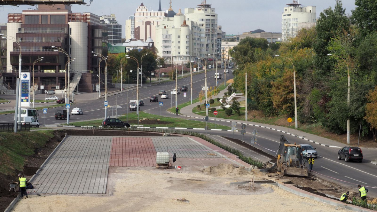 Нечего перехватывать. В Воронеже раскритиковали бесплатную парковку у Чернавского моста
