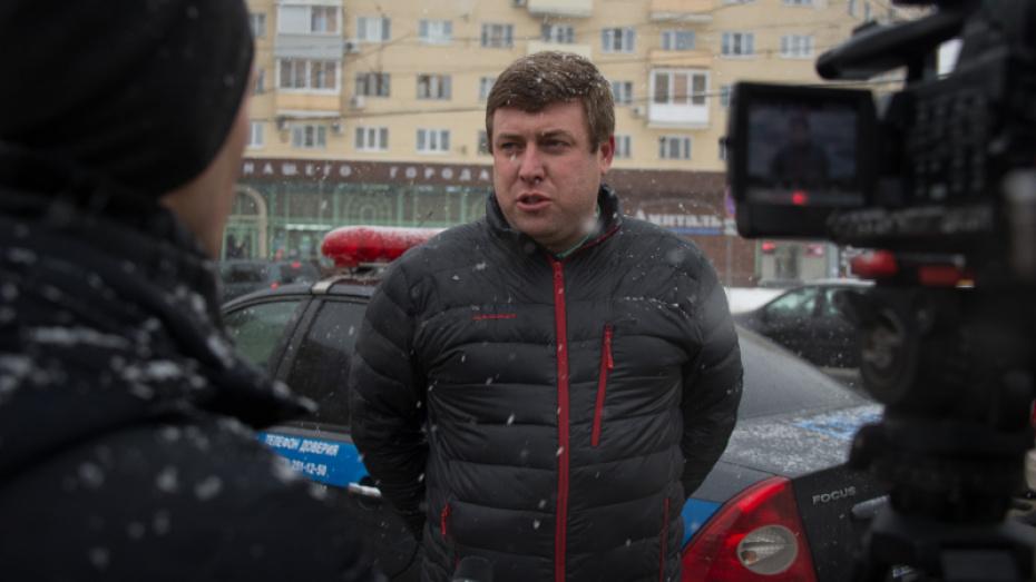 Воронежский общественник избежал ответственности за то, что посадил за руль ребенка
