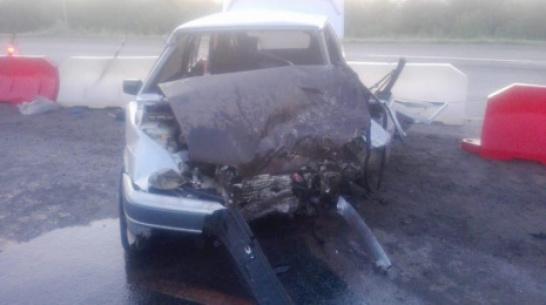 В Воронежской области водитель ВАЗ протаранил встречную Mazda: пострадали 3 человека