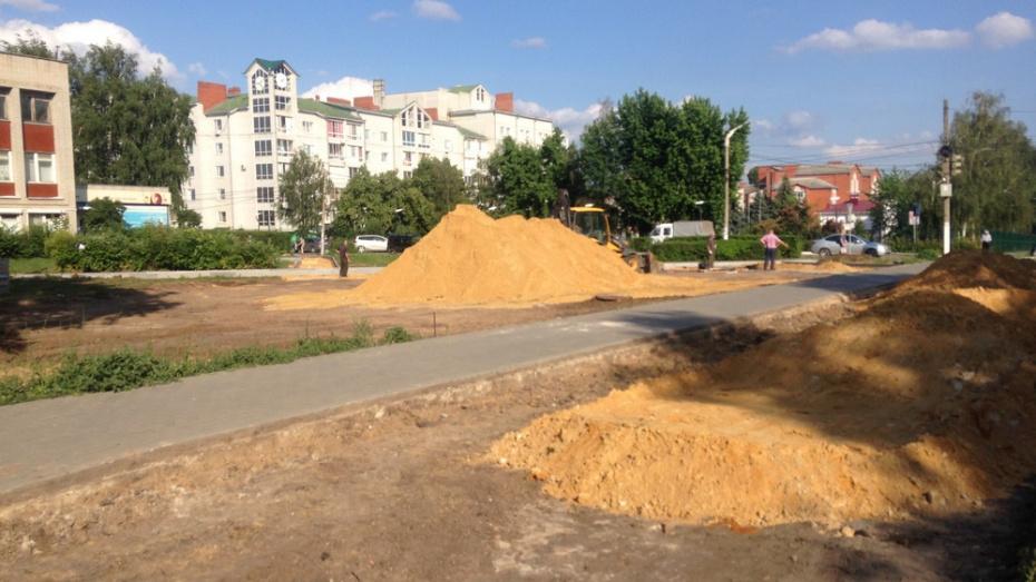 В Семилуках на улице Дзержинского появится новый сквер с парковкой на 20 мест